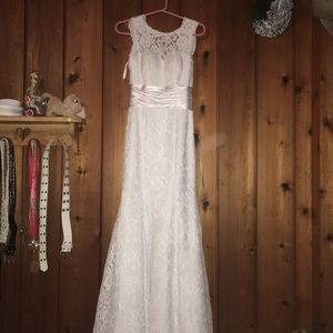 Dresses & Skirts - Very beautiful wedding dress